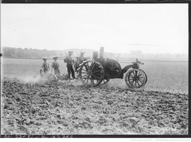 Travaux des champs au Centre de réadaptation de GRIGNON en 1917
