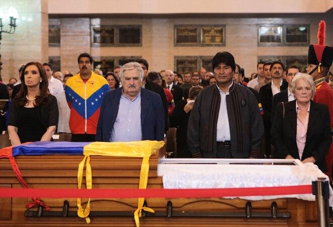 En el entierro de Hugo Chávez, Cristina Kirchner, Nicolás Maduro, José Mujica, Evo Morales y Lucía Topolansky.