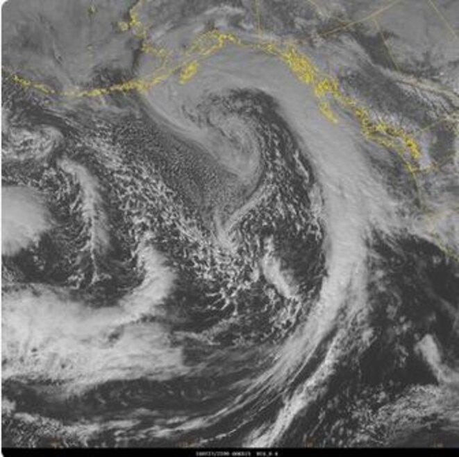 27/02/16, froid sur Pacifique, couloir nuage sur Alaska © National Weather Service, Twiter