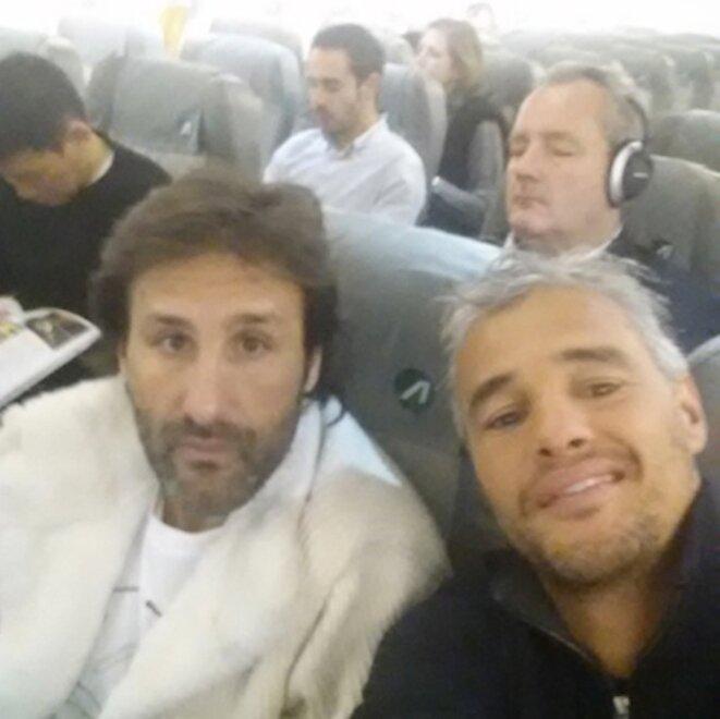 Arnaud Mimran, en manteau de fourrure blanc, et Farid Khider, en partance pour Milan. © Compte Instagram de Farid Khider