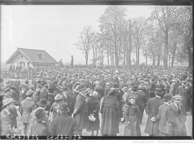 Meeting de la CGT/Union des syndicats de la Seine à Saint-Ouen, 1922. © Agence Rol. Source: www.gallica.fr