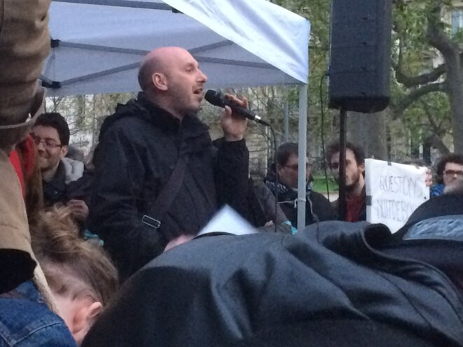 Eric Beynel, de Solidaires, sur la place de la République, Paris © MG