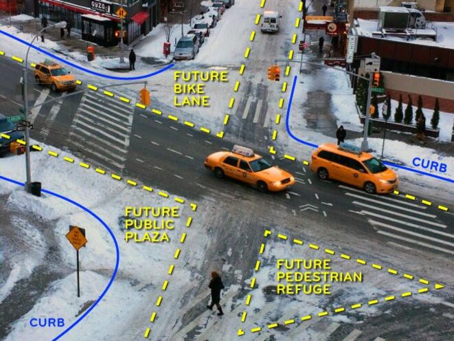 """Wear pattern"" data revealed in the snow that cars don't drive over. © Wikimedia Commons"