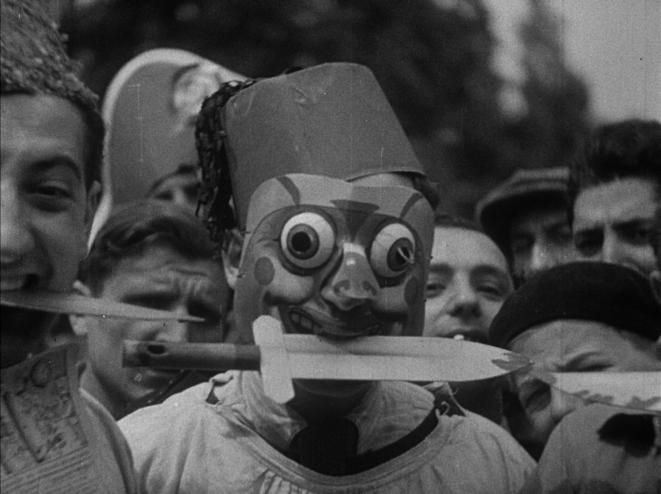 Le folklore ouvrier lors des grèves de juin 1936 en région parisienne © Ciné-Archives