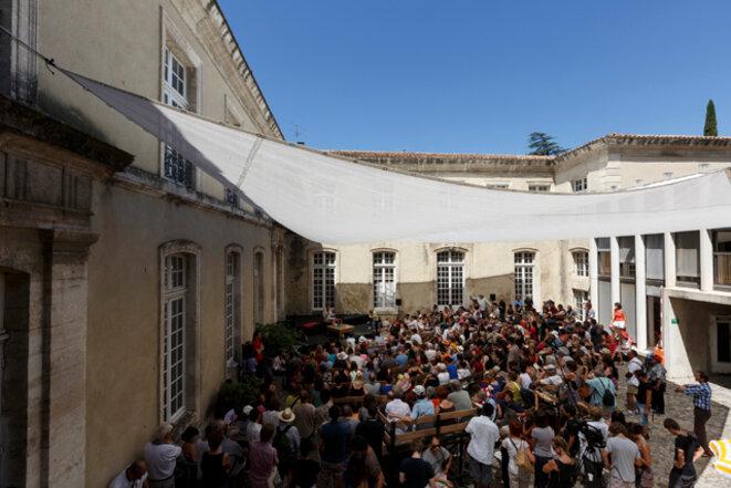 Débat public au festival d'Avignon