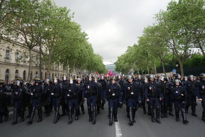 Paris, 12 mai 2016, manifestation contre la loi sur le travail et le 49-3 © Rachida El Azzouzi