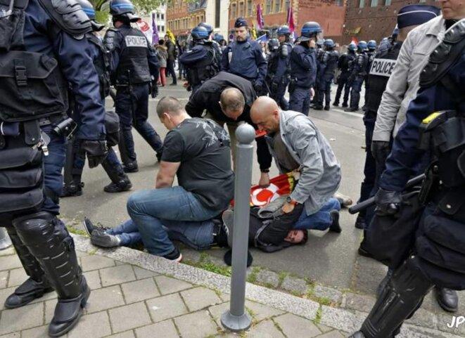 Arrestation d'Antoine à Lille le 17 mai © JPH