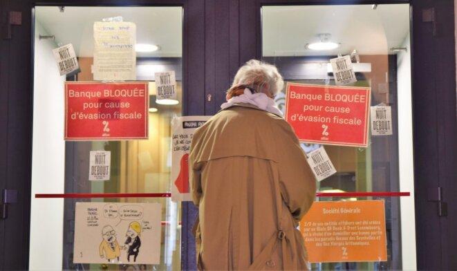 Occupation de l'agence banque privée Société générale Paris Bourse par Attac © Mélanie Poulain