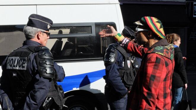 Les voisins protestent contre l'expulsion du Lycée J. Jaurès