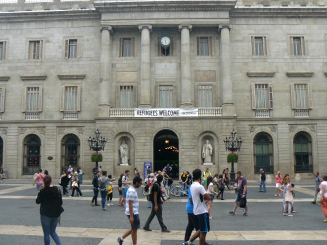 """La mairie de Barcelone, """"cité refuge""""."""