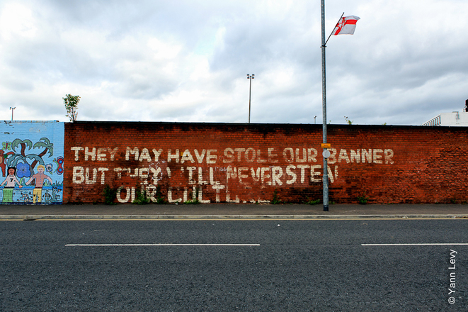 Mur du quartier de Sandy Row © Yann Levy / Reproduction partielle ou totale strictement interdite