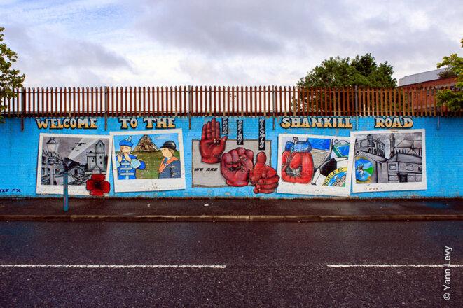 À l'entrée du quartier de Shankill, une fresque loyaliste présente le quartier © yann Levy / Reproduction partielle ou totale strictement interdite