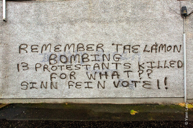 Graffiti dénonçant le Sinn Fein. © Yann Levy / Reproduction partielle ou totale strictement interdite