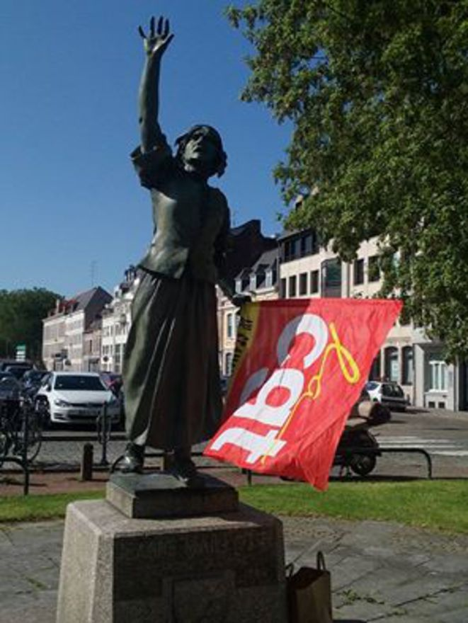 Au rassemblement de soutien à Antoine devant le TGI de Lille le 9 juin © Action Antifasciste NP2C