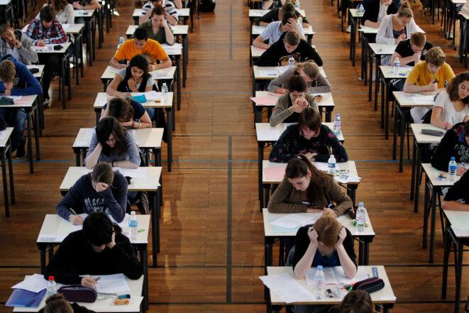 Des lycéens de terminale passent leur épreuve de philosophie. © Reuters