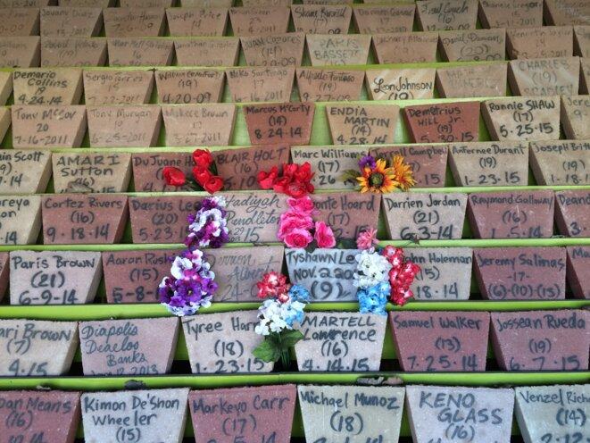 Le mémorial des enfants et adolescents victimes des règlements de comptes © Mathieu Magnaudeix