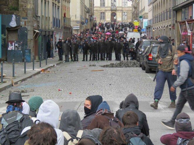 2048x1536-fit-heurts-eclate-entre-policiers-manifestants-jeudi-centre-ville-rennes