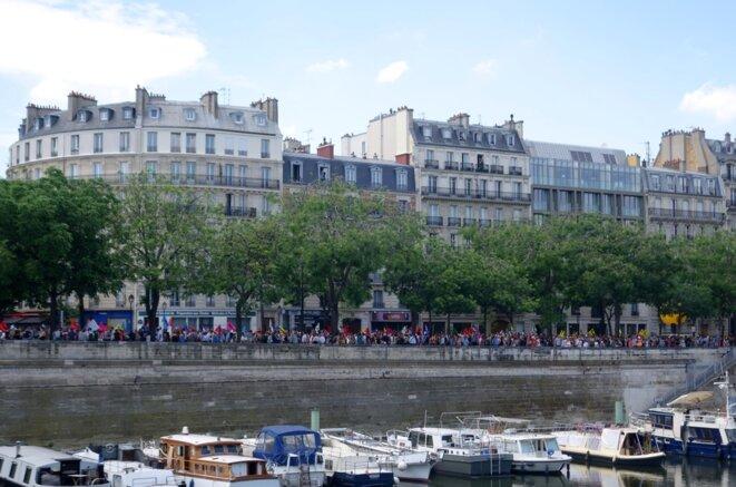 Manifestation sous haute surveillance contre la loi sur le travail, 23 juin 2016, Paris © Rachida EL Azzouzi