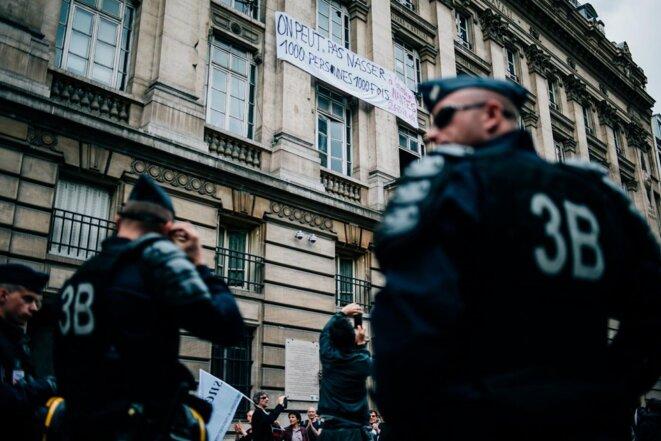 Nasse de la Bourse du Travail de Paris le 28 juin © Boris Allin