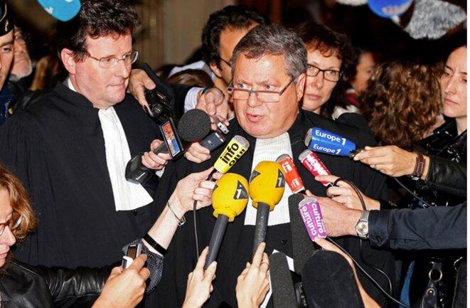 Les avocats de la Société générale, Jean Reinhart et Jean Veil, en 2012. © Reuters