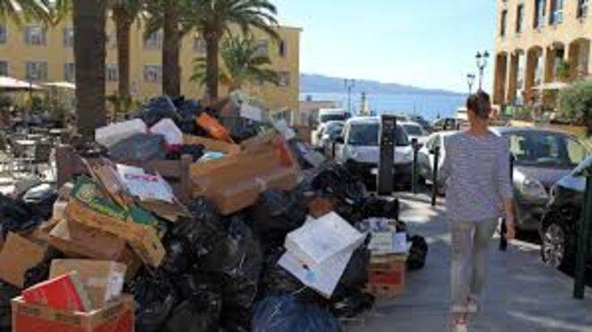 mer-et-poubelles