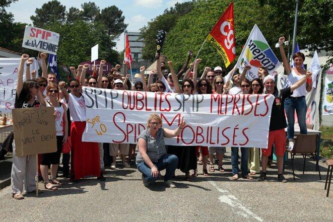 Manifestation des personnels du service pénitentiaire d'insertion et de probation de la prison de Bordeaux-Gradignan. © DR