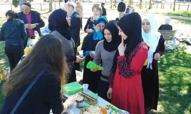 moment festif avec les réfugiés syriens © C.Puech