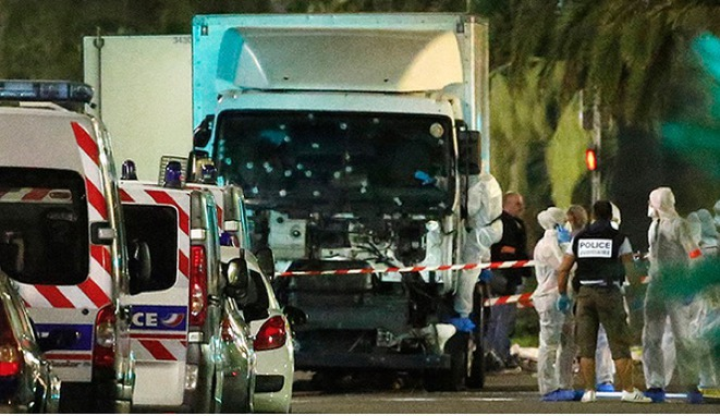 The bullet-ridden truck driven by Mohammed Lahouaiej Bouhlel on the Promenade des Anglais in Nice on July 14th. © Reuters