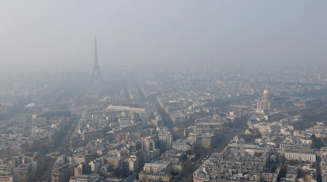 Pollution cloud over Paris, March 2015. © Reuters