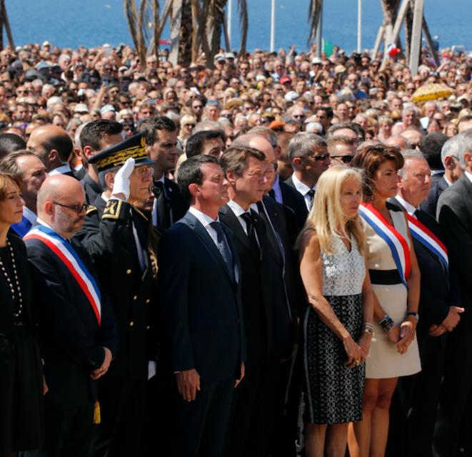 Manuel Valls lors de l'hommage aux victimes à Nice, le 18 juillet. © Reuters