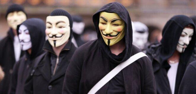 14837879-contre-daech-la-drole-de-guerre-des-anonymous