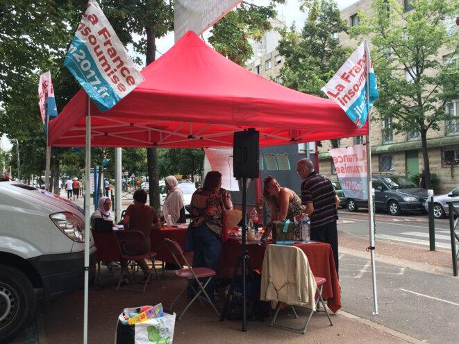La caravane de La France insoumise avenue Pablo-Picasso à Nanterre en juillet 2016 © CG