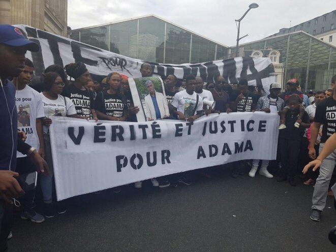 À la marche pour Adama à Paris. © Sihame Assbague