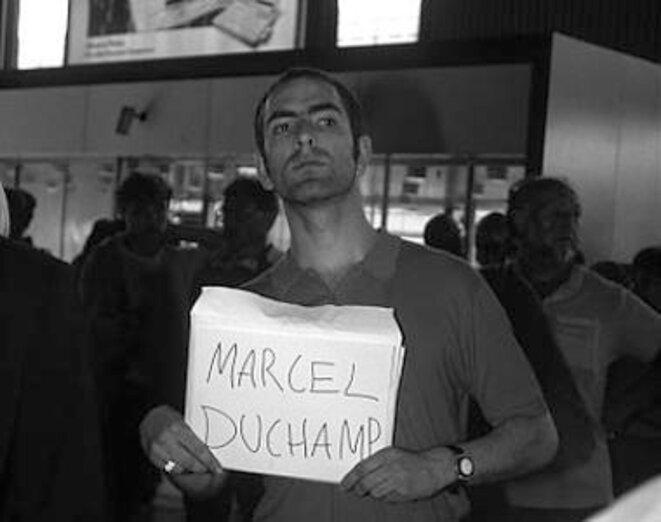 Jonathan Monk, Waiting for famous people (Marcel Duchamp), 1997 © Crédit Jonathan Monk Courtesy Galerie Nicolai Wallner