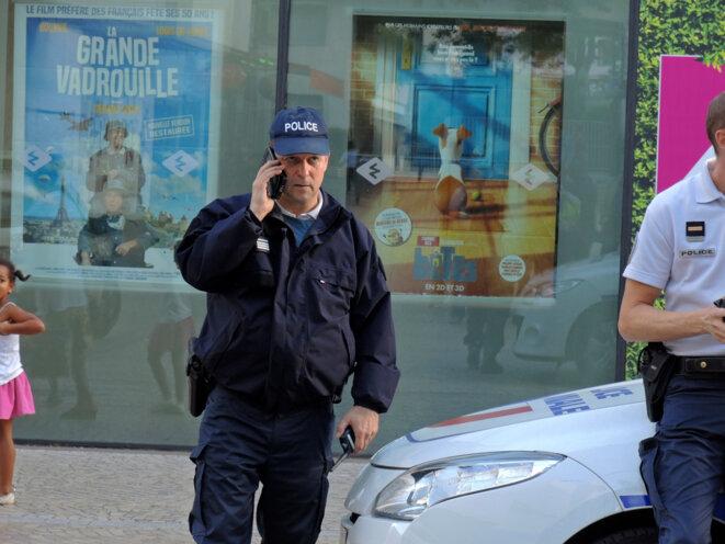 Le ficheur...Montreuil -9 août 2016 © Gilles Walusinski