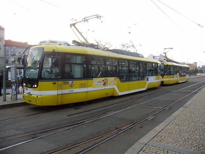 ...c'est même possible en transports publics (soyons fous !) : deux rames de tramway dans la même ville. © VD