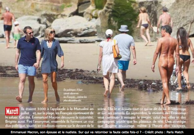 The Paris-Match report of economy minister Emmanuel Macron and his wife on a Biarritz beach. © DR