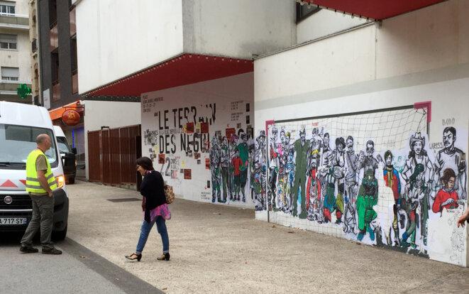 """La """"voirie"""" aux ordres... Montreuil 19 août 2016 © Gilles Walusinski"""