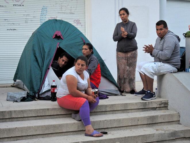 Familles Roms dans un square de Montreuil-21 août 2016 © Gilles Walusinski