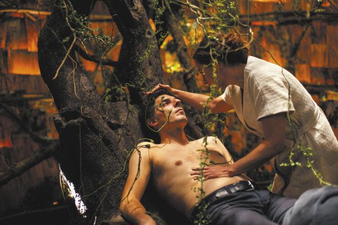 Damien Bonnard et Laure Calamy, dans «Rester Vertical »
