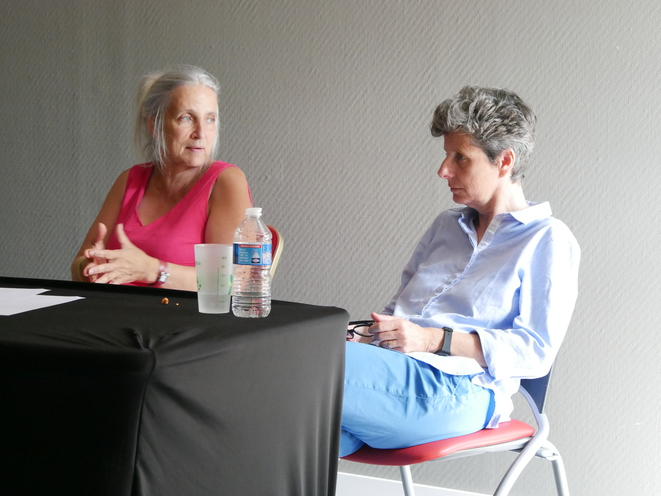 Lors d'un atelier sur la parité au sein des conseils départementaux. Témoignage de Corinne Bouchoux (à droite), sénatrice du Maine-et-Loire. © Guillaume Krempp