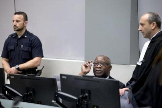 Gbagbo à La Haye. L'ex-président plaide non coupable des crimes contre l'humanité dont il est accusé. © Reuters