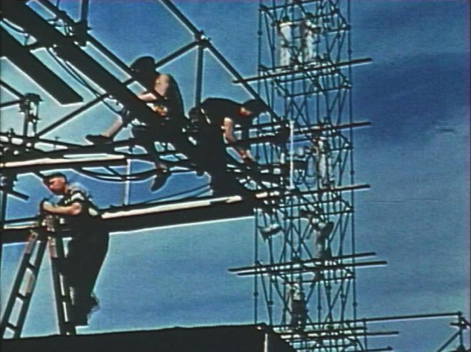 Le montage de la Fête 1953. Coll. Ciné-Archives