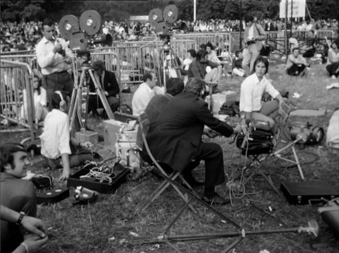 Opérateurs devant la grande scène - Fête 1969 © Coll. Ciné-Archives