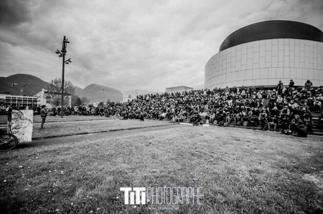 Nuit Debout Grenoble - Crédit Photo : Titi Photograpghe