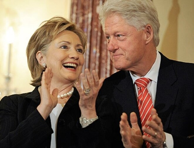 Hillary et Bill Clinton © Reuters