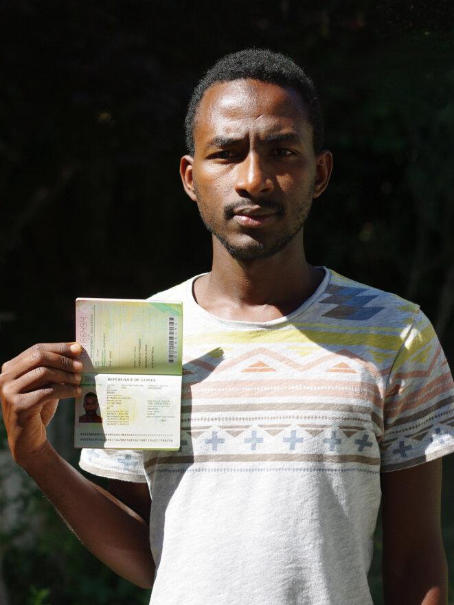 Mamadou Barry a fini par être libéré en avril 2016, après avoir refusé d'embarquer. © Mediapart