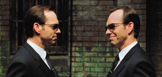 L'acteur Hugo Weaving incarne l'agent Smith dans «Matrix Reloaded» (2003). © DR