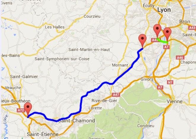 Tracé de l'A45 entre les faubourgs de Lyon et Saint-Etienne, parallèle à l'autoroute existante