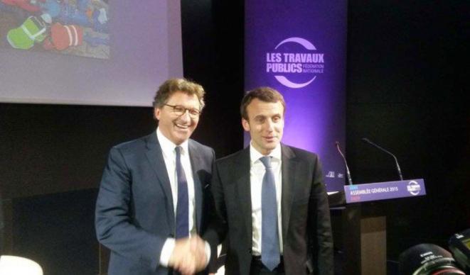 Emmanuel Macron à l'Assemblée de la fédération des travaux publics le 9 avril 2015, jour de l'annonce du plan autoroutier © Le moniteur des travaux publics